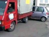 Accident de voiture avec un camion