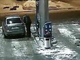 Régis fait le plein d'essence