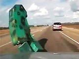 Bateau fail sur une autoroute
