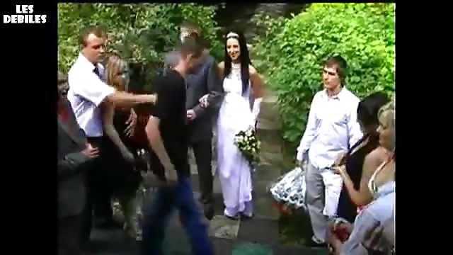 Ivrogne s 39 invite dans un mariage russe - Coup de poing dans le dos ...