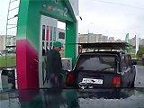 Russe fait son plein d'essence