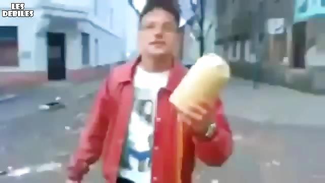 Il fait exploser un pétard fait maison