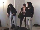 Trois filles tombent sur un voleur