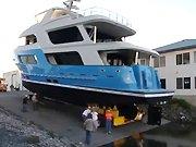 Fail d'un bateau lors de sa mise à l'eau