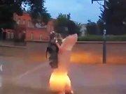 Une dashcam russe filme le faceplant d'une…