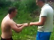 Deux russes ivres dans un match de boxe