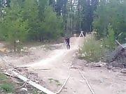 Régis et son vélo apprennent à voler