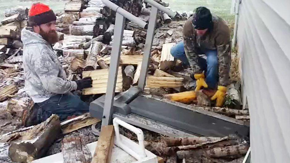 stocker rapidement du bois pour l 39 hiver. Black Bedroom Furniture Sets. Home Design Ideas